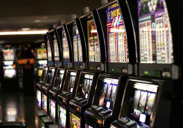 Серф казино ждет вашего досуга