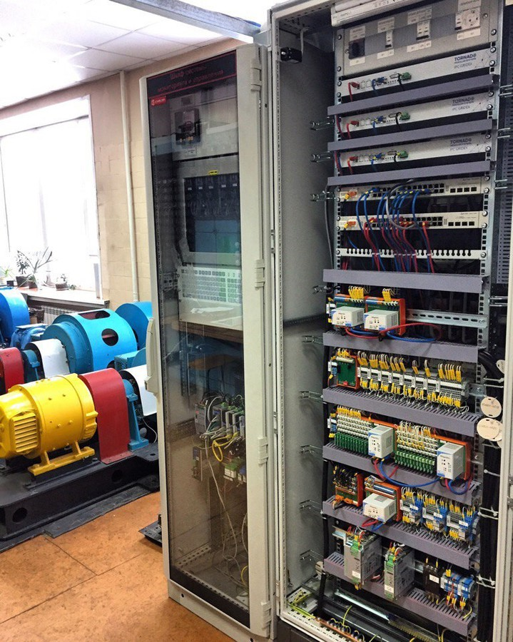 Опытный образец автоматики Smart EnergyGate НГТУ для малых электростанций