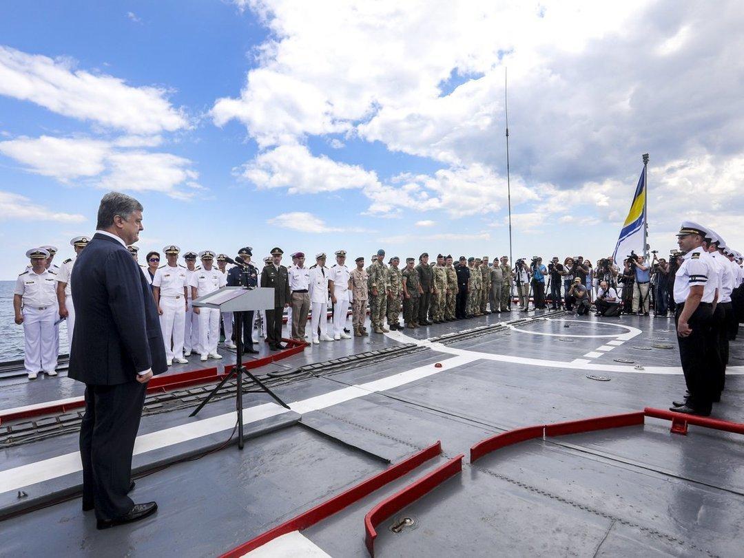Порошенко не исключает атаки России на Мариуполь