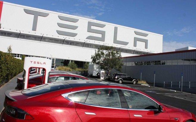 Tesla планирует открыть завод в Европе