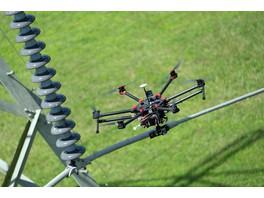 Энергетики написали инструкцию, как обращаться с дронами