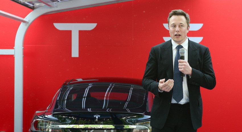 Маск передумал выкупать акции Tesla