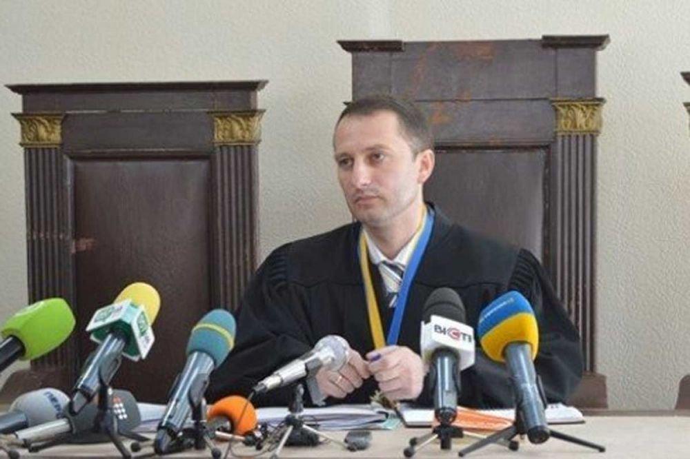 Совет судей заступился за коллегу, закрывшего дело Кернеса