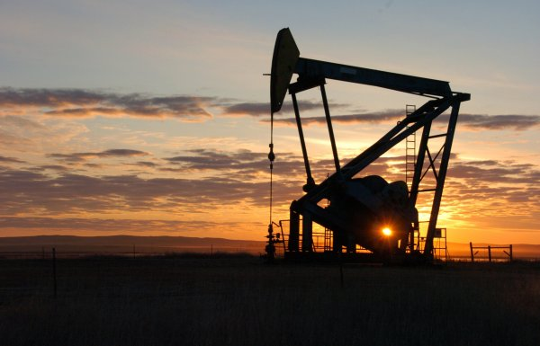 МЭА повысило прогноз роста мирового спроса на нефть в 2018 году