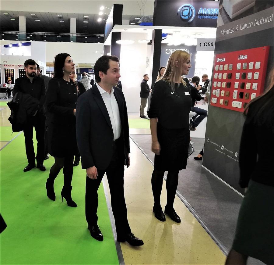 Замминистра строительства и ЖКХ РФ Андрей Чибис посетил выставку Interlight Moscow