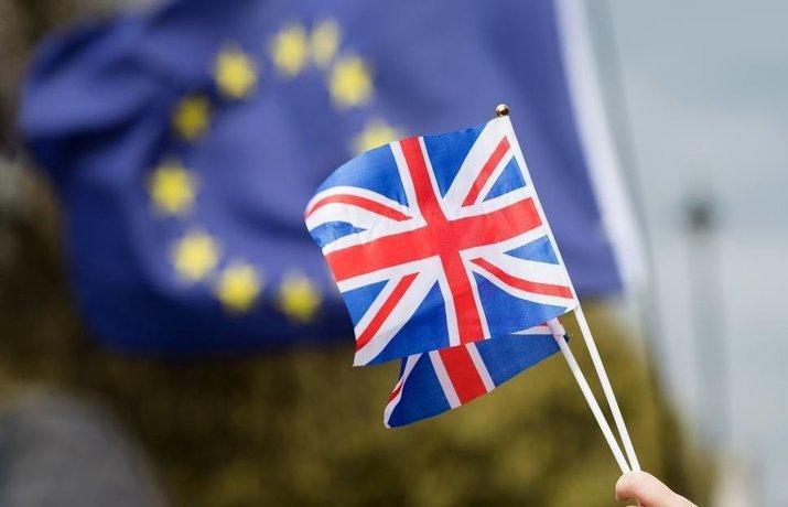 Британский министр по делам Северной Ирландии подал в отставку из-за плана по Brexit