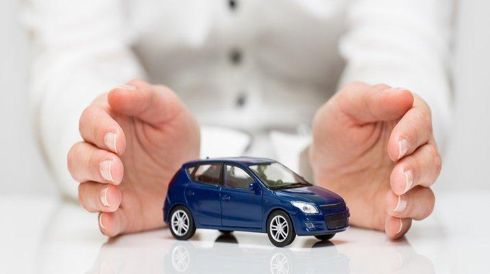 Страховщик может отказать в выплате КАСКО, если авто было на летней резине