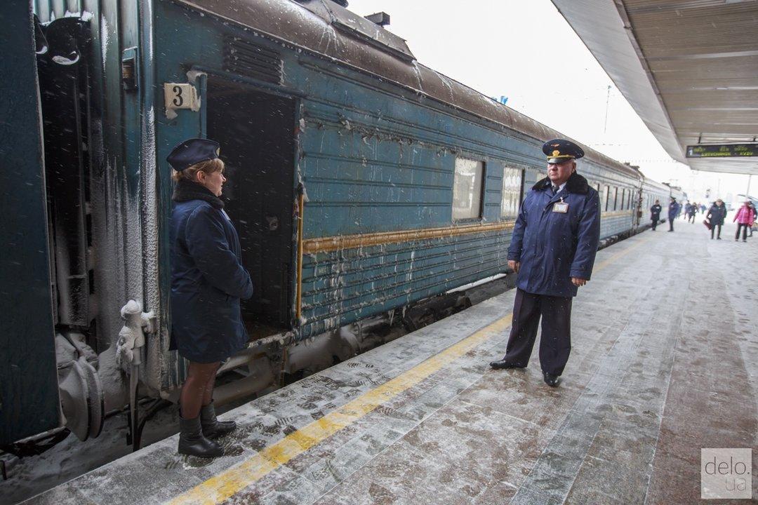 """На новогодние праздники """"Укрзализныця"""" запустит дополнительные поезда"""