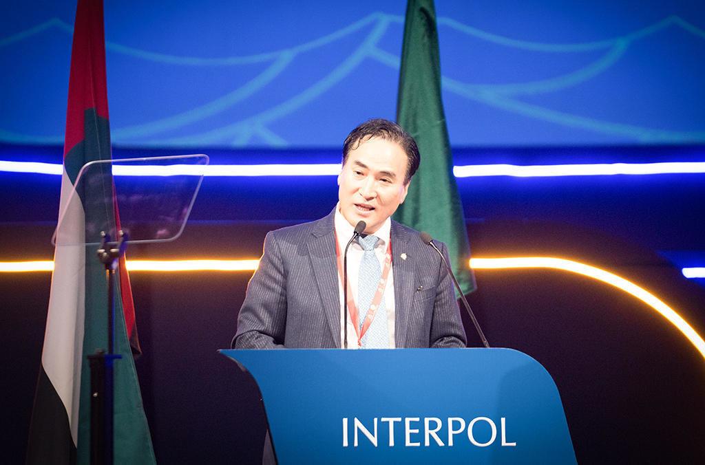 Полицейский из Сеула избран президентом Интерпола