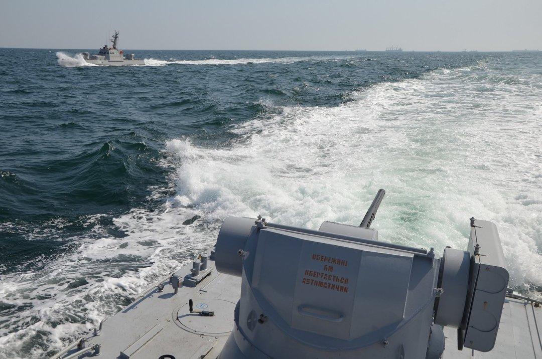 Россия открыла огонь по украинским кораблям в Керченском проливе
