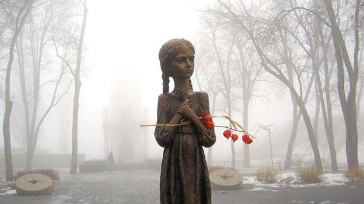 В Украине сегодня чтят память жертв голодоморов
