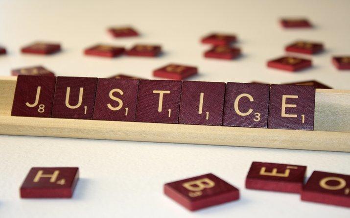 """""""Справедливость"""" назвали словом 2018 года в США"""