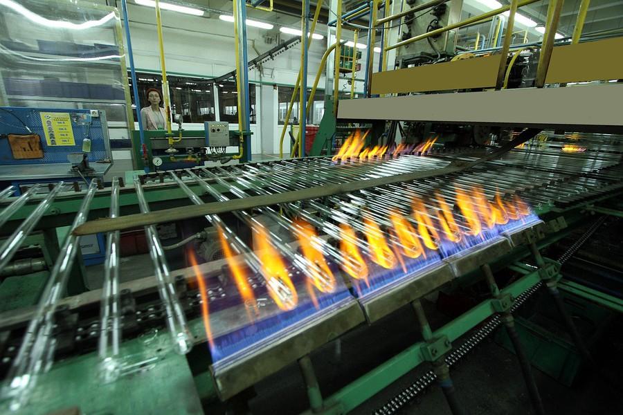 Завод LEDVANCE в очередной раз стал победителем рейтингового соревнования среди организаций приборостроительного комплекса Смоленской области