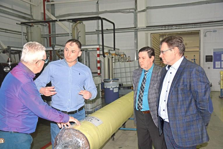 Представители Ленинградской АЭС-2 и Концерна «Титан-2» посетили завод «Изолятор»
