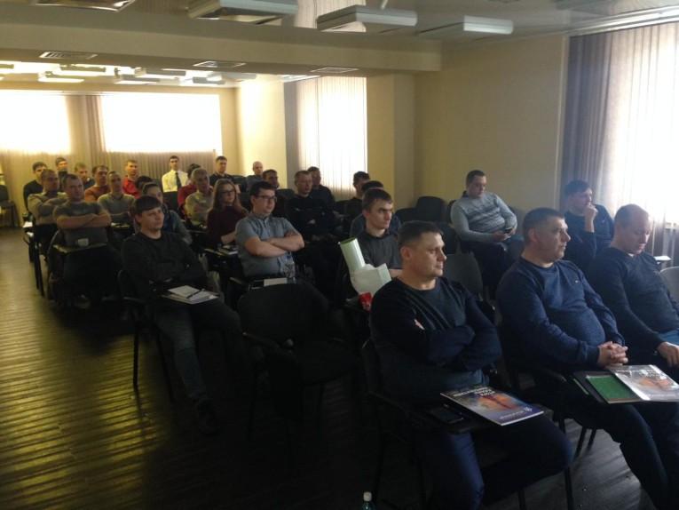 Специалисты «Региональных электрических сетей» на техническом семинаре компании «Изолятор» в г. Новосибирск