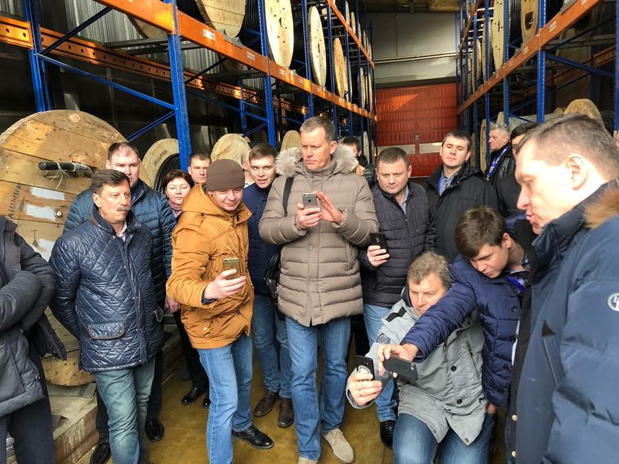 Для участников комитета была проведена экскурсия на склад КПП «Элком-Электро»