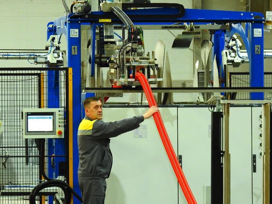 Модернизация производства и ввод новых линий позволит предприятию ежегодно выпускать около 4 млн погонных метров двустенных гофрированных труб
