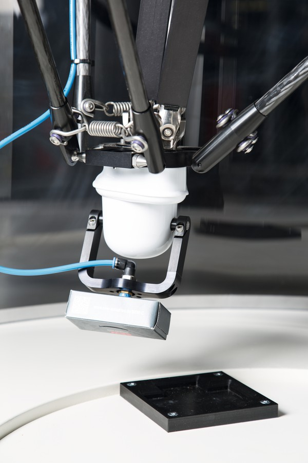 SEW-EURODRIVE представляет новые сборочные комплекты для роботов с параллельной кинематикой MAXOLUTION®