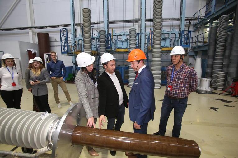Турецкая компания Ankara Seramik A.Ş. знакомится с технологией производства высоковольтных вводов «Изолятор»