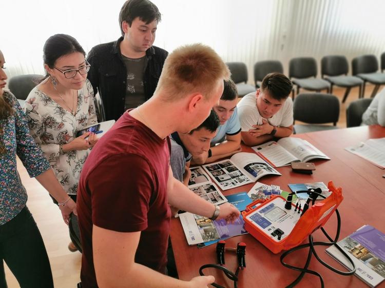 Специалисты «СКБ ЭП» провели успешные испытания высоковольтного оборудования в Казахстане