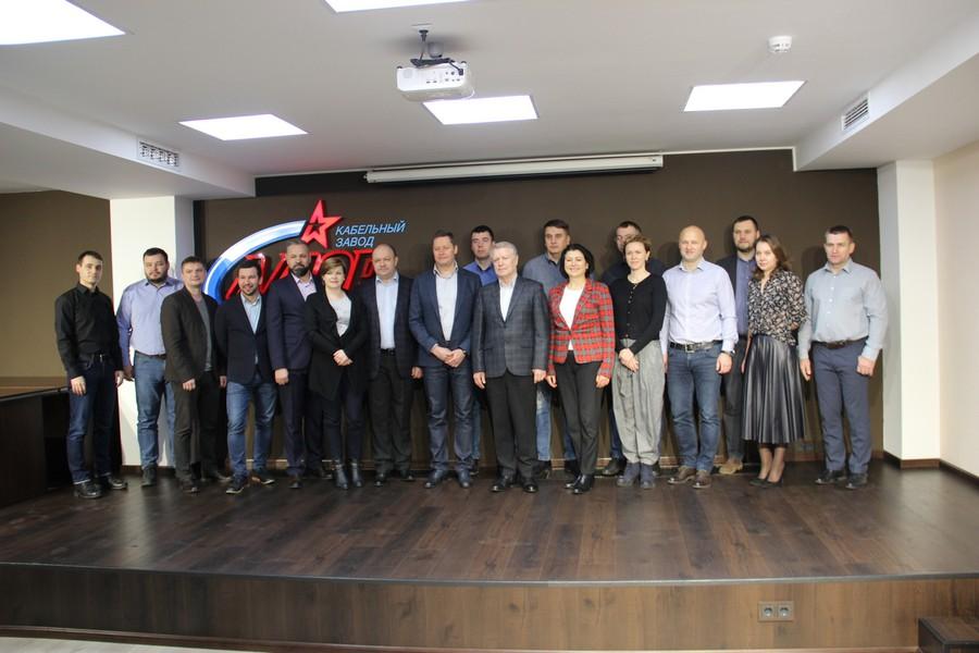 Представители «Элком-Электро» посетили великолукский кабельный завод «Алюр»